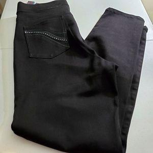 Gloria Vanderbilt Slimming Effect jeans size 18